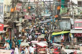 chaotic-streets-of-new-delhi-in-india-didier-marti
